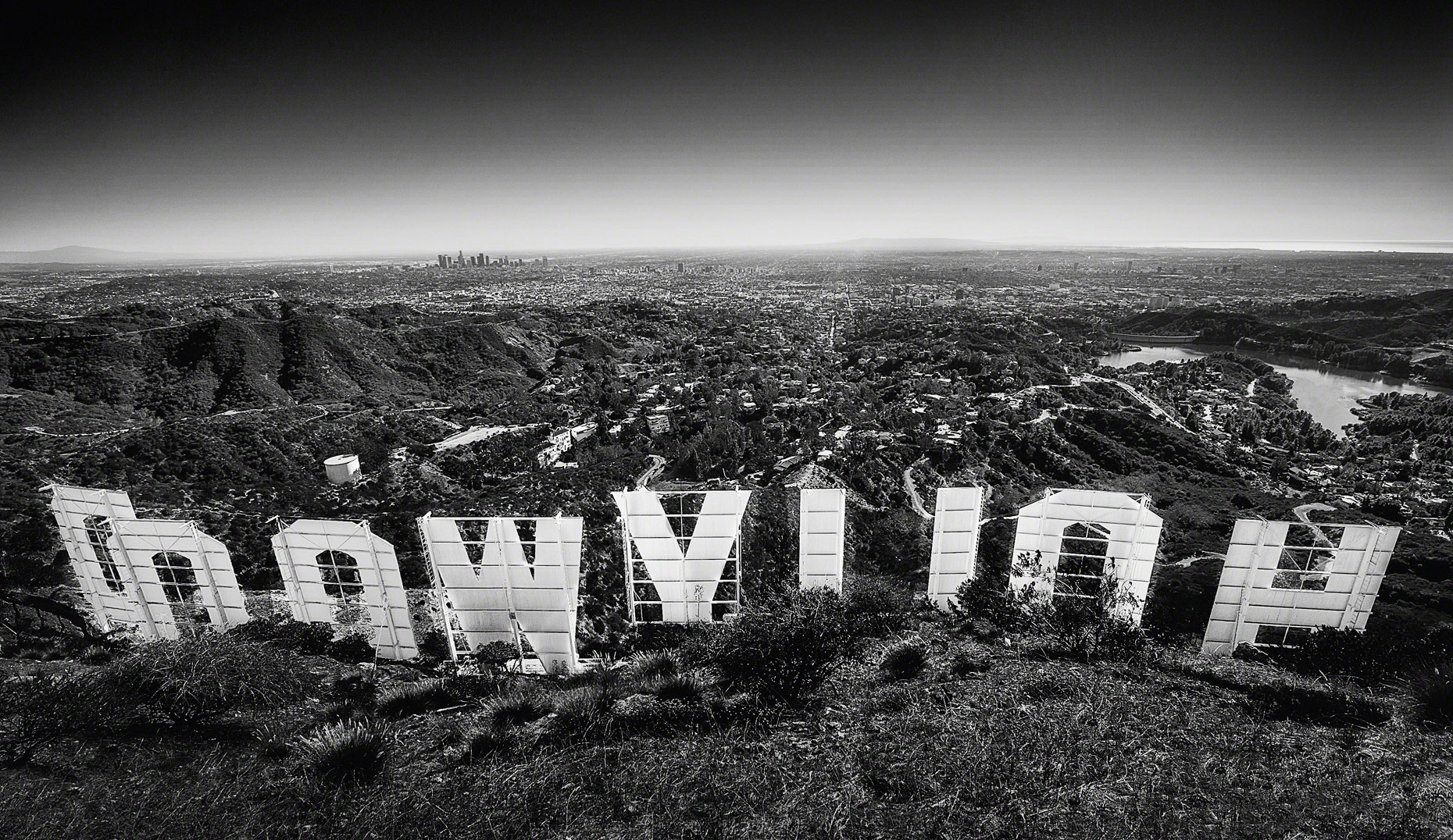 Hollywood-Sign-Behind-the-Scenes