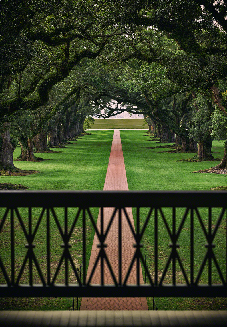 Oak-Alley-Plantation-in-Louisiana